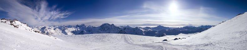 Vista panorámica de las montañas Foto de archivo libre de regalías