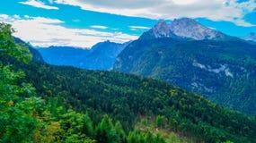 Vista panorámica de las montañas 2 Foto de archivo libre de regalías