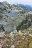 Vista panorámica de los lagos Musalenski del pico de Musala, montaña de Rila Imagen de archivo libre de regalías