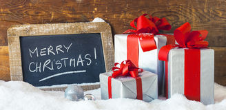 Vista panorámica de los regalos de la Navidad Fotos de archivo libres de regalías