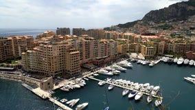 Vista panorámica de Mónaco en la primavera de 2018, mar en un día ventoso almacen de video