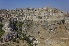 Vista panorámica de Matera y de su paisaje natural del barranco Fotos de archivo libres de regalías