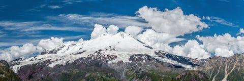 Vista panorámica de Mt Elbrus de Cheget Fotos de archivo