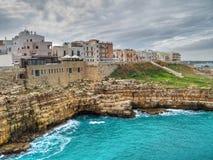 Vista panorámica de Polignano. Apulia. foto de archivo libre de regalías