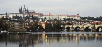 Vista panorámica de Praga en otoño Imágenes de archivo libres de regalías