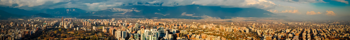 Vista panorámica de Santiago Imágenes de archivo libres de regalías