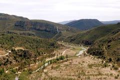 Vista panorámica de un paisaje hermoso en la montaña fotografía de archivo