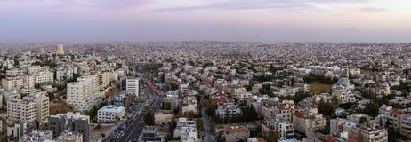 Vista panorámica del área de Abdoun y del puente del abdoun Imágenes de archivo libres de regalías