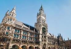 Vista panorámica del ayuntamiento de Marienplatz de Munich, Alemania imagen de archivo