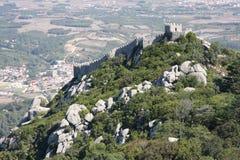 Vista panorámica del castillo de Morrish en Sintra Portugal foto de archivo