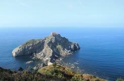 Vista panorámica del islote de San Juan de Gaztelugatxe Fotos de archivo