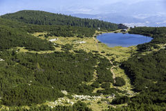 Vista panorámica del lago Bezbog, montaña de Pirin Fotos de archivo libres de regalías