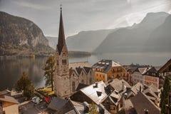 Vista panorámica del lago y de la ciudad, Salzkammergut, Austria Hallstatt Imágenes de archivo libres de regalías