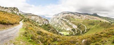 Vista panorámica del paisaje de la montaña Imagenes de archivo