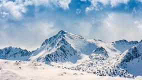 Vista panorámica del pico de montaña Foto de archivo