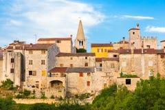 Vista panorámica del pueblo de la bala, Croacia Imagenes de archivo