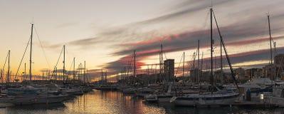 Vista panorámica del puerto de Alicante fotos de archivo libres de regalías