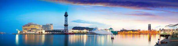 Vista panorámica del puerto Vell. Barcelona, Cataluña fotos de archivo