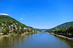 Vista panorámica del río Neckar con el puente viejo Karl Theodor Imagen de archivo