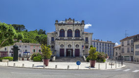 Vista panorámica del teatro municipal de la ciudad anaranjada Fotografía de archivo libre de regalías
