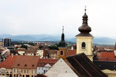 Vista panorámica del viejo centro de ciudad, Sibiu, Rumania Foto de archivo