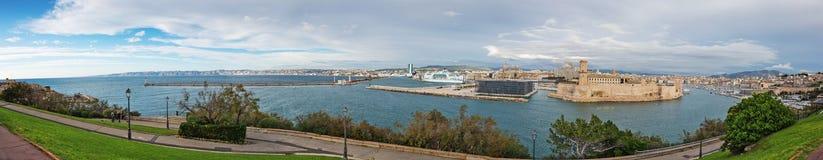 Vista panorámica del Vieux-puerto de Marsella fotos de archivo