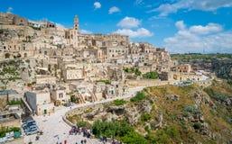 Vista panorámica en Matera en el distrito del ` de Sassi del `, Basilicata, Italia meridional Fotografía de archivo