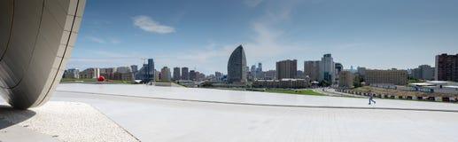 Vista panorámica grande de Baku de Haydar Aliyev Centre Imagenes de archivo