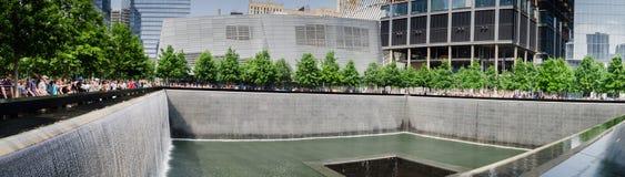 vista panorámica grande del monumento y del museo nacionales del 11 de septiembre fotos de archivo