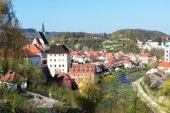 Vista panorámica hermosa de la ciudad vieja de Cesky Krumlov, República Checa Fotografía de archivo libre de regalías