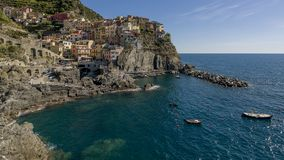 Vista panorámica hermosa de Manarola, Cinque Terre Park, Liguria, Italia imagen de archivo