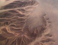 Vista panorâmica aérea do avião às linhas aka colibri do geoglyph de Nazca, AIC, Peru fotos de stock