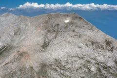 Vista panorâmica ao pico de Kutelo e ao Koncheto, montanha de Pirin Fotos de Stock