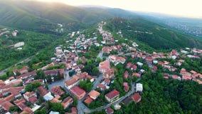 Vista panorâmica bonita da cidade pequena de Signagi situada perto do vale de Alazani filme
