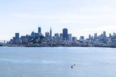 Vista panorâmica bonita do centro de negócios em San Francisco do centro no Estados Unidos imagem de stock royalty free