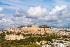Vista panorâmica da acrópole em Atenas Grécia em um tempo nebuloso Imagens de Stock