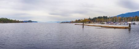 Vista panorâmica da baía na cidade de Ladysmith, Ingleses Colu Imagem de Stock Royalty Free