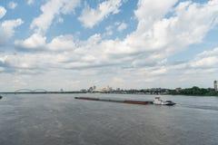 Vista panorâmica da baixa do rio Mississípi e do Memphis na primavera fotografia de stock royalty free