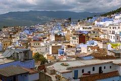 A vista panorâmica da cidade azul em Chefchaouen, Marrocos fotografia de stock royalty free
