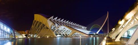 Vista panorâmica da cidade das artes e das ciências no tempo da noite Fotografia de Stock Royalty Free