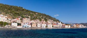 Vista panorâmica da cidade de Gytheio, Laconia, Peloponnese, Grécia fotos de stock