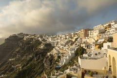 Vista panorâmica da cidade no por do sol, ilha de Fira de Santorini Fotografia de Stock Royalty Free