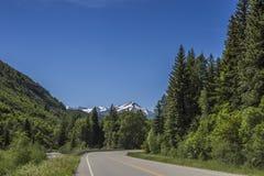 Vista panorâmica da estrada 132 e o rio de Gunnison, parque estadual de Paonia, Colorado Imagem de Stock