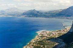 Vista panorâmica da montagem Pelegrino em Palermo, Sicília Italy foto de stock