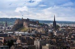 Vista panorâmica da skyline da cidade de Edimburgo em Escócia Fotos de Stock Royalty Free