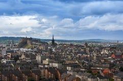 Vista panorâmica da skyline da cidade de Edimburgo em Escócia Foto de Stock