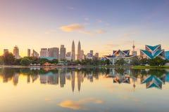Vista panorâmica da skyline da margem da cidade de Kuala Lumpur, Malásia imagem de stock