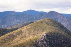 Vista panorâmica das montanhas na Espanha Céu nebuloso imagens de stock royalty free