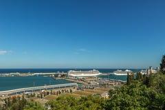 Vista panorâmica de Barcelona e de porto na Espanha Fotos de Stock Royalty Free