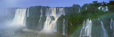 Vista panorâmica de cachoeiras de Iguazu em Parque Nacional Iguazu, Salto Floriano, Brasil Imagem de Stock